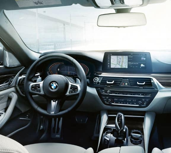 BMW 5 Series Driver Controls | Dreyer & Reinbold BMW North