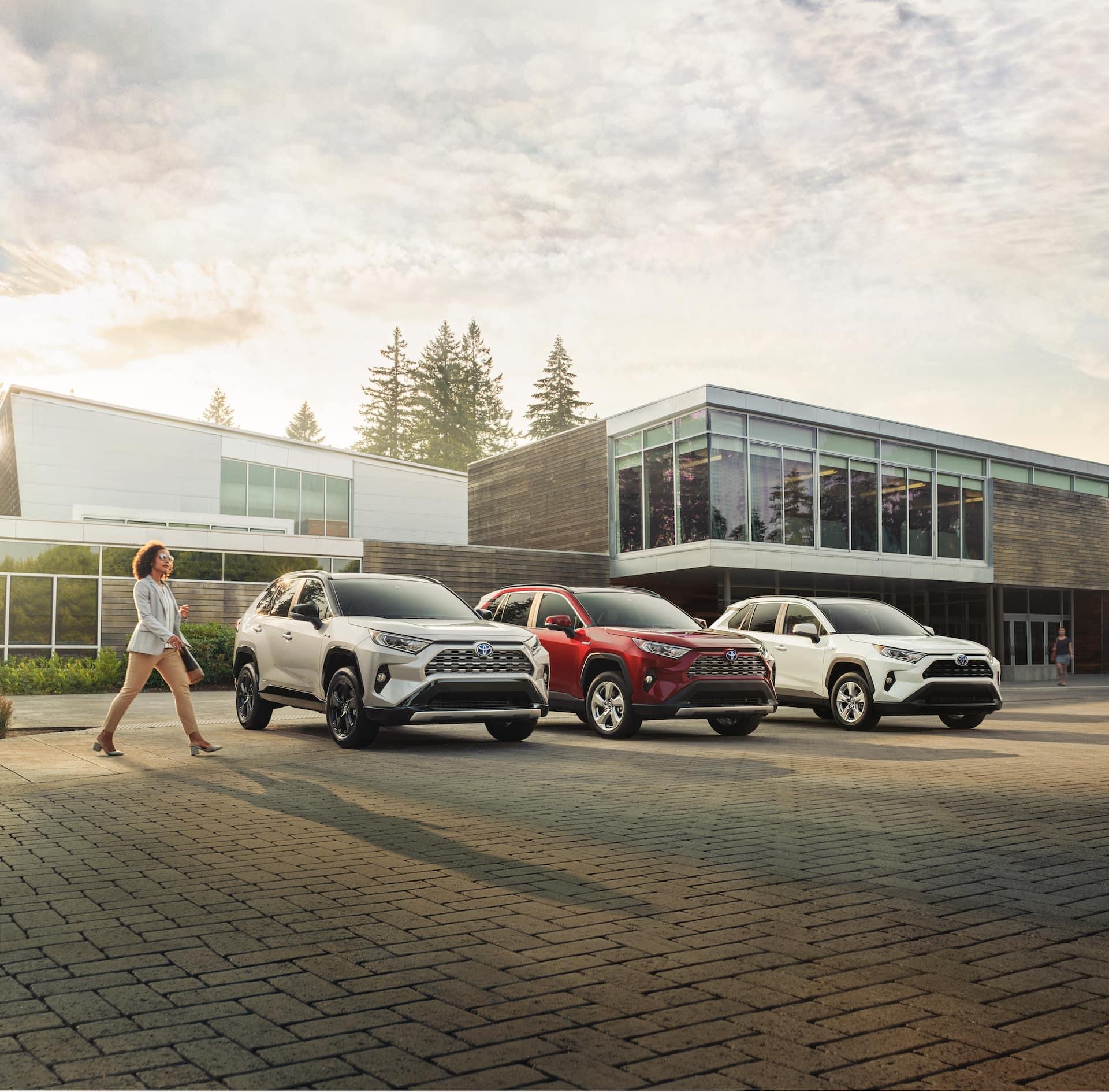 Halterman's Toyota is a Toyota Dealership near Hackettstown, PA | Three 2021 Toyota RAV4s parked in a row