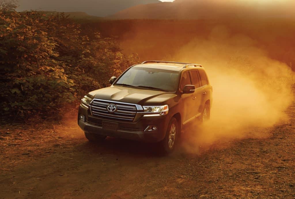 Halterman's Toyota is a Toyota Dealership near Wooddale, PA   2020 Toyota Sienna driving in desert
