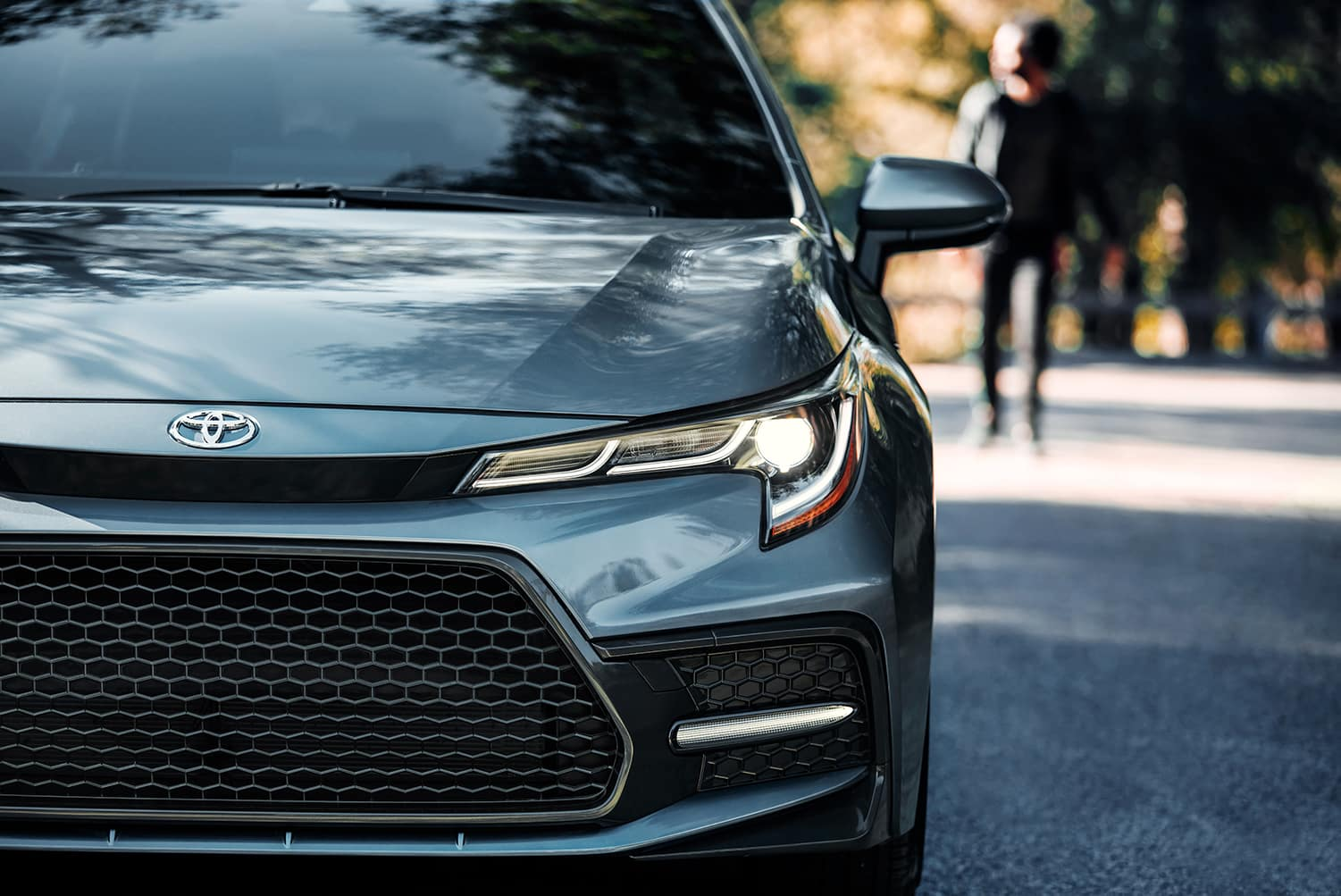 Halterman's Toyota is a Toyota Dealership near Easton, PA   Close up photo of 2020 Toyota Corolla front end
