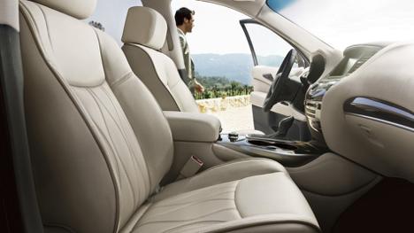 Front Interior 2017 INFINITI QX60 AWD