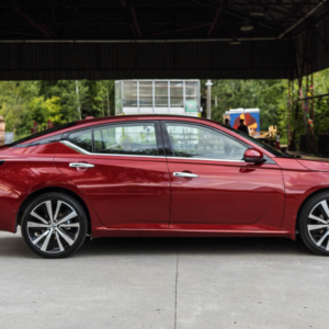 2020 Nissan Altima at Midway Nissan