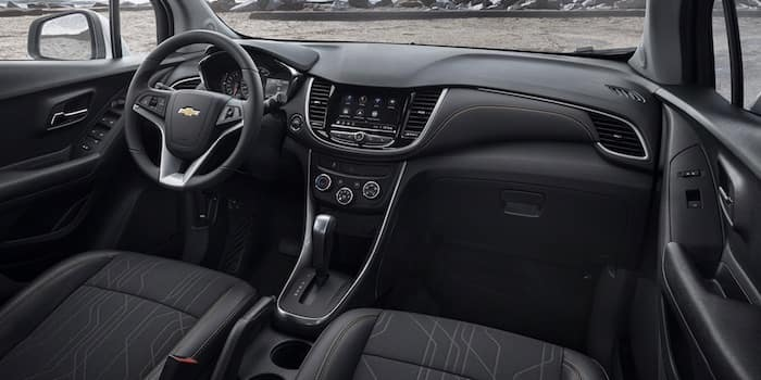 2021 Chevrolet Trax front interior cabin
