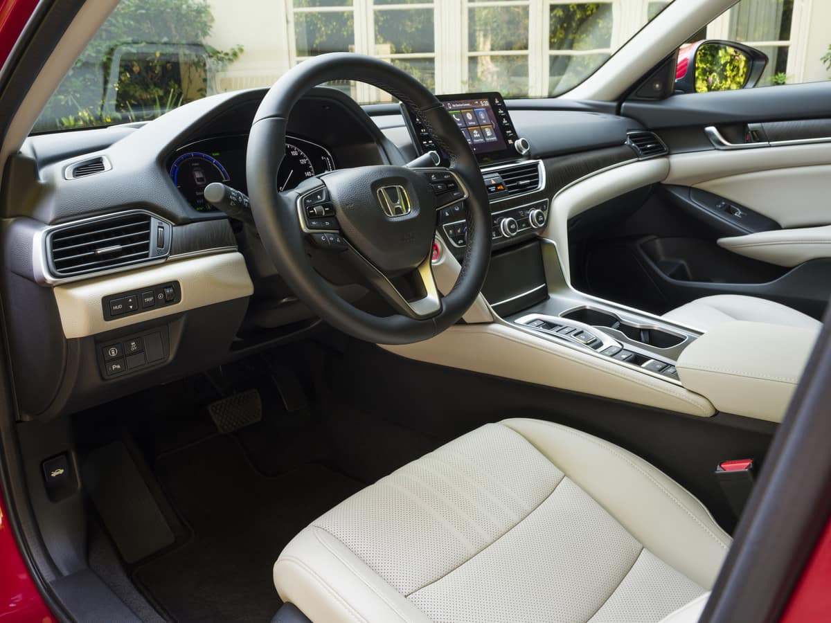 2021 Honda Accord Hybrid-1200x900