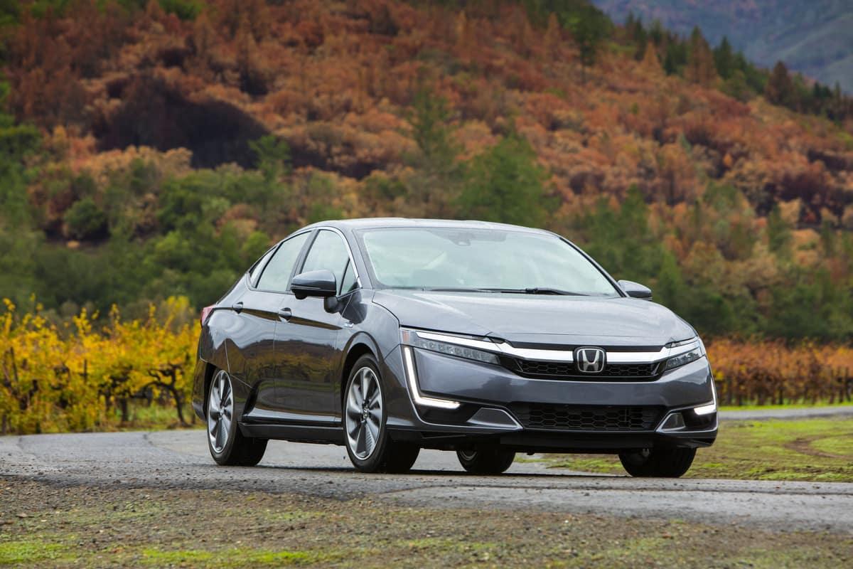 2020 Honda Clarity Plug-In Hybrid-1200x800