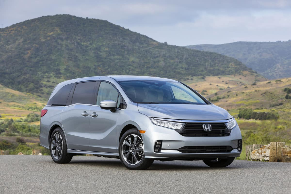 2021 Honda Odyssey Gets a Makeover and an Industry First ...