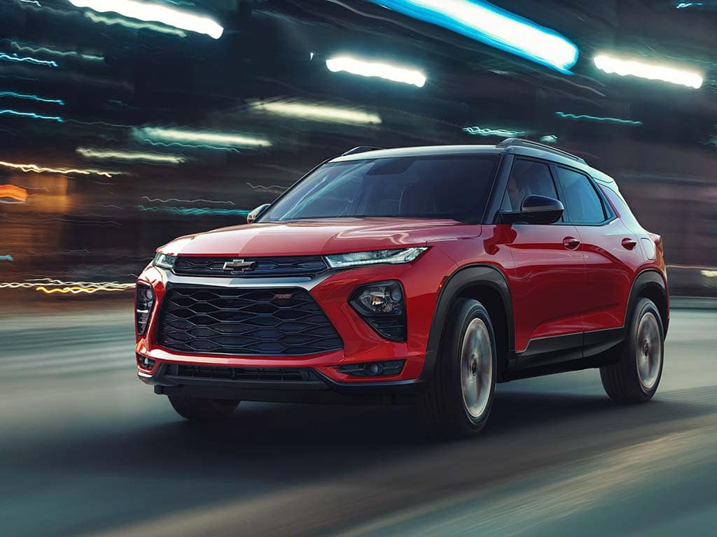 2021 Chevrolet Trailblazer RS AWD (1TY56) in Scarlet Red Metallic (GIL) with Mosaic Black Metallic (GB8) roof.