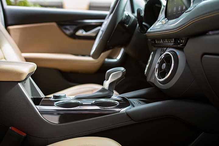 Chevy Blazer 2021 - Front Seats