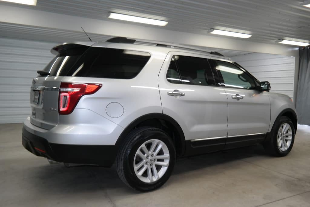 ford explorer silver