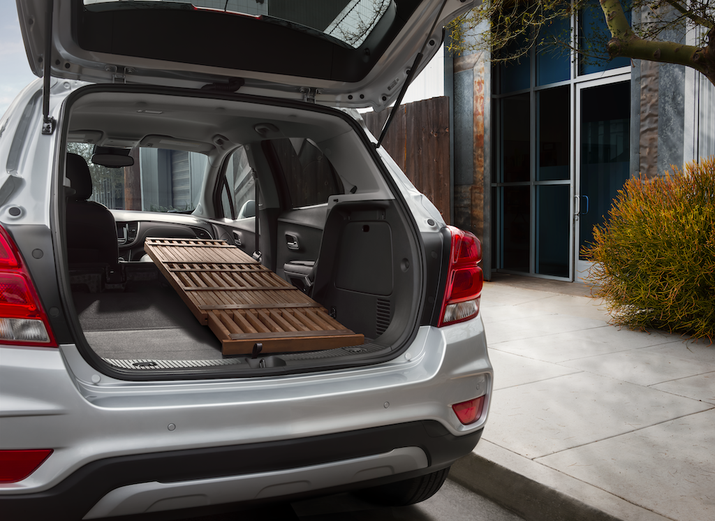 Chevrolet Trax 1LT in Silver Ice Metallic exterior paint, Silver-painted rear skidplate, Rear 60/40 folding bench-seat, Front passenger flat-folding seatback.
