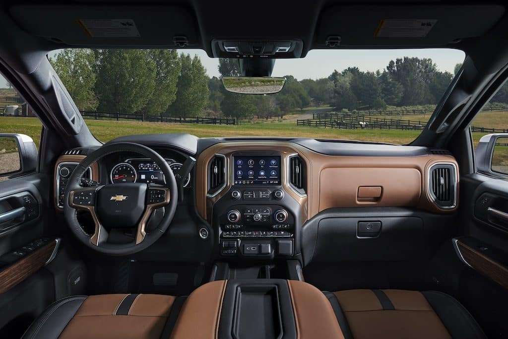 Silverado 1500 Crew Cab High Country [3LZ] interior in Jet Black/Umber HVG with available technology package